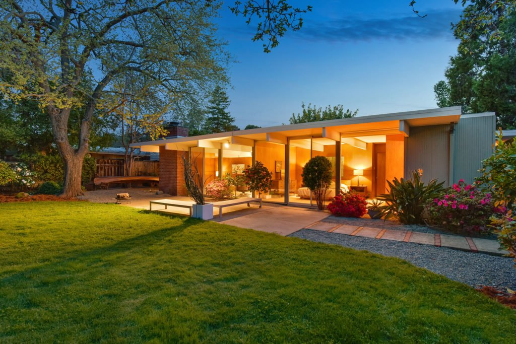 Eichler in Walnut Creek California - exterior