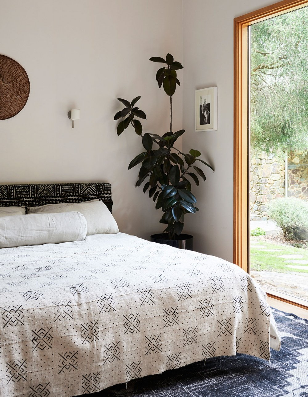 mid century modern Warrandyte Home - bedroom