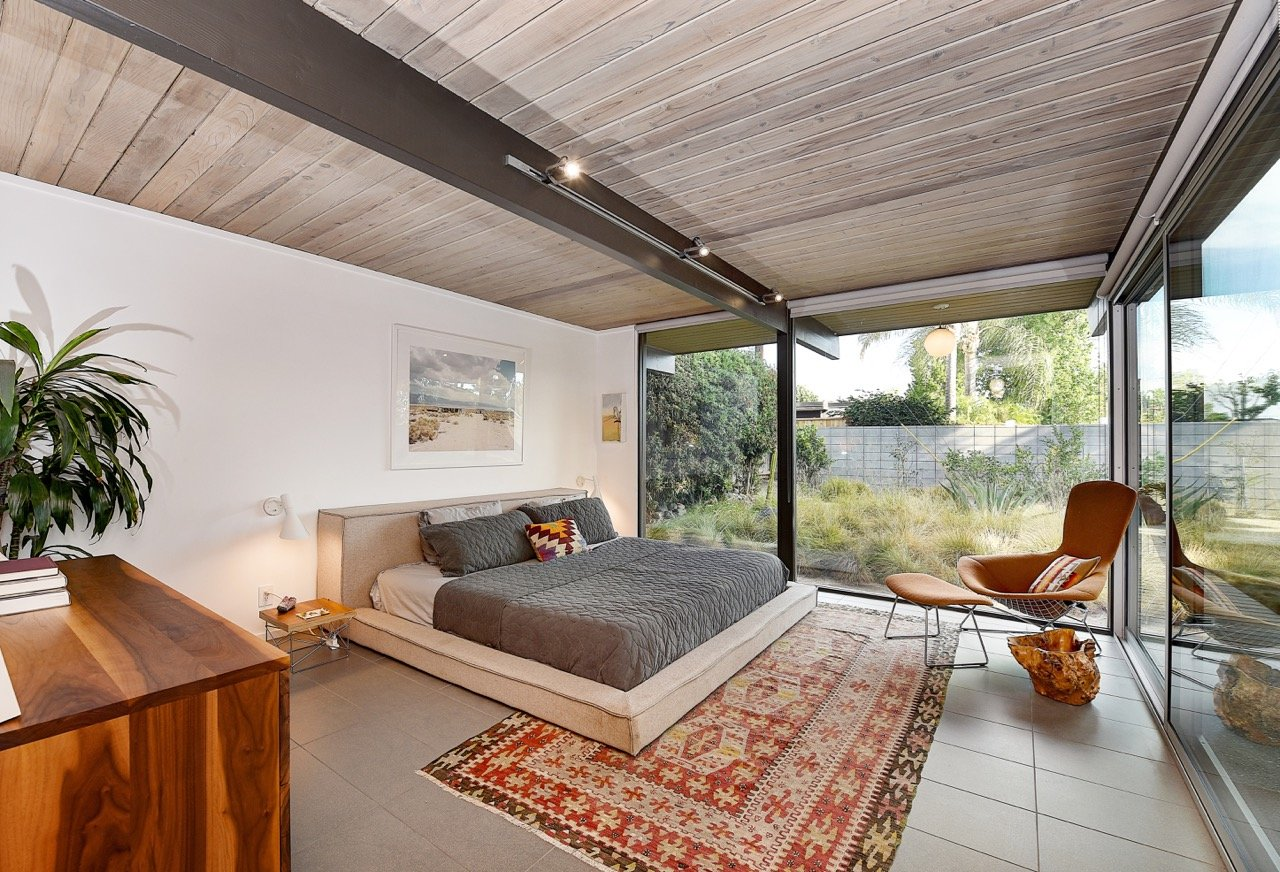 Eichler home in Orange County - bedroom