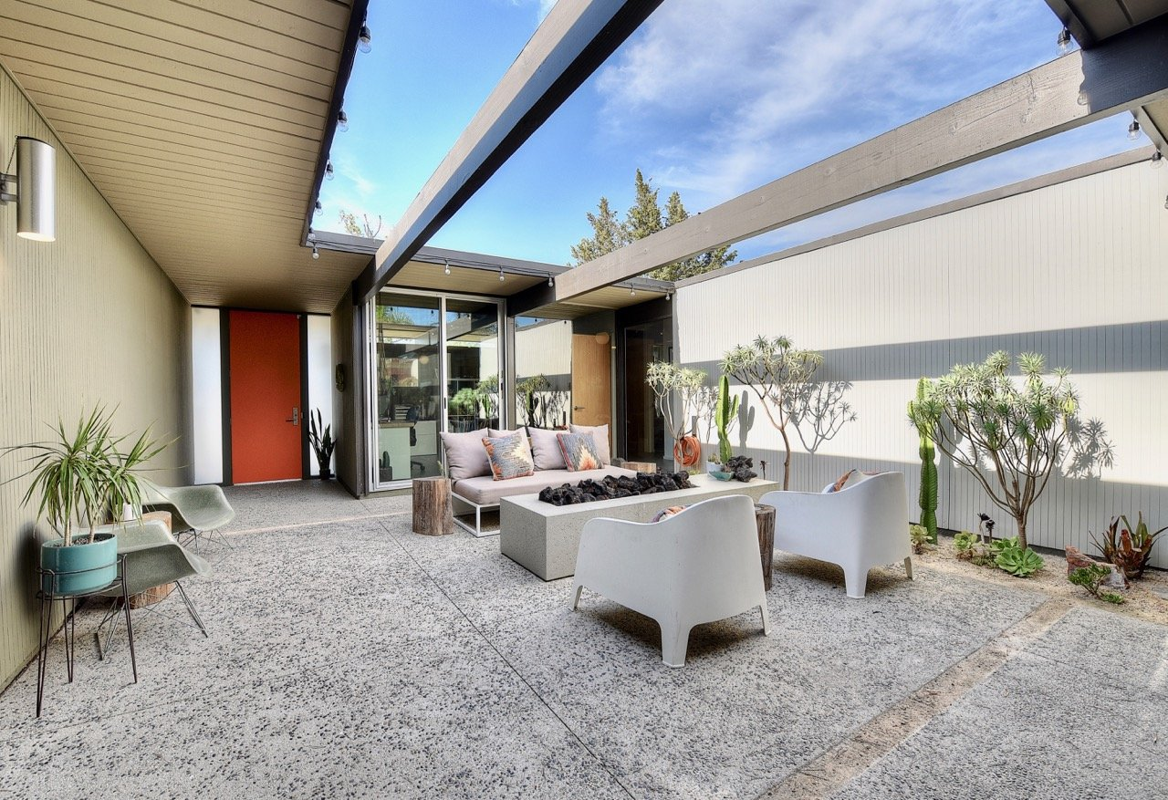 Eichler home in Orange County - patio
