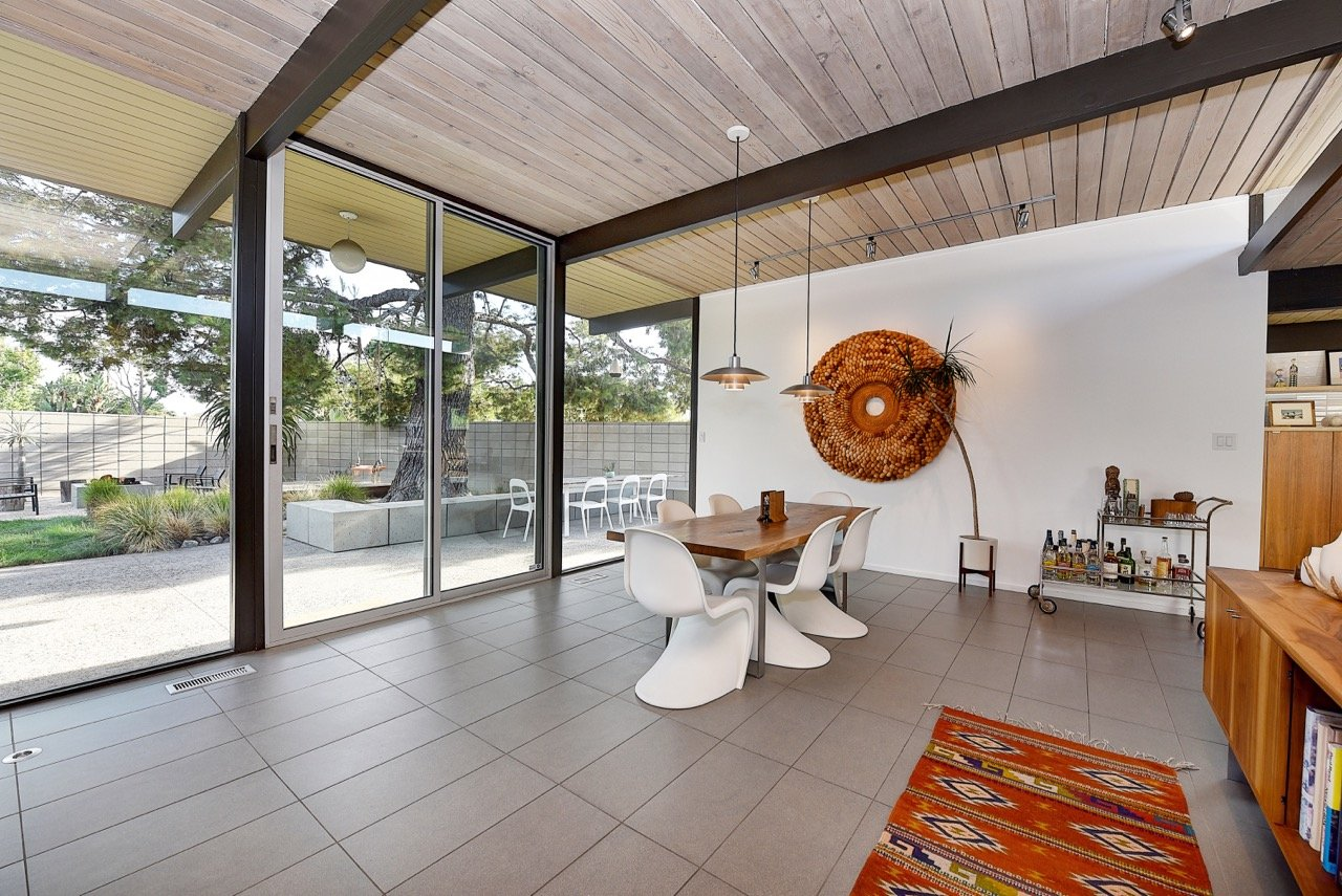 Eichler home in Orange County - dining area