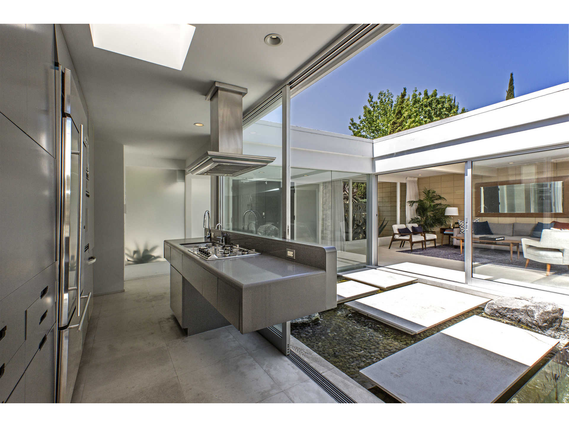 1959 midcentury home in Los Angeles - kitchen outside view