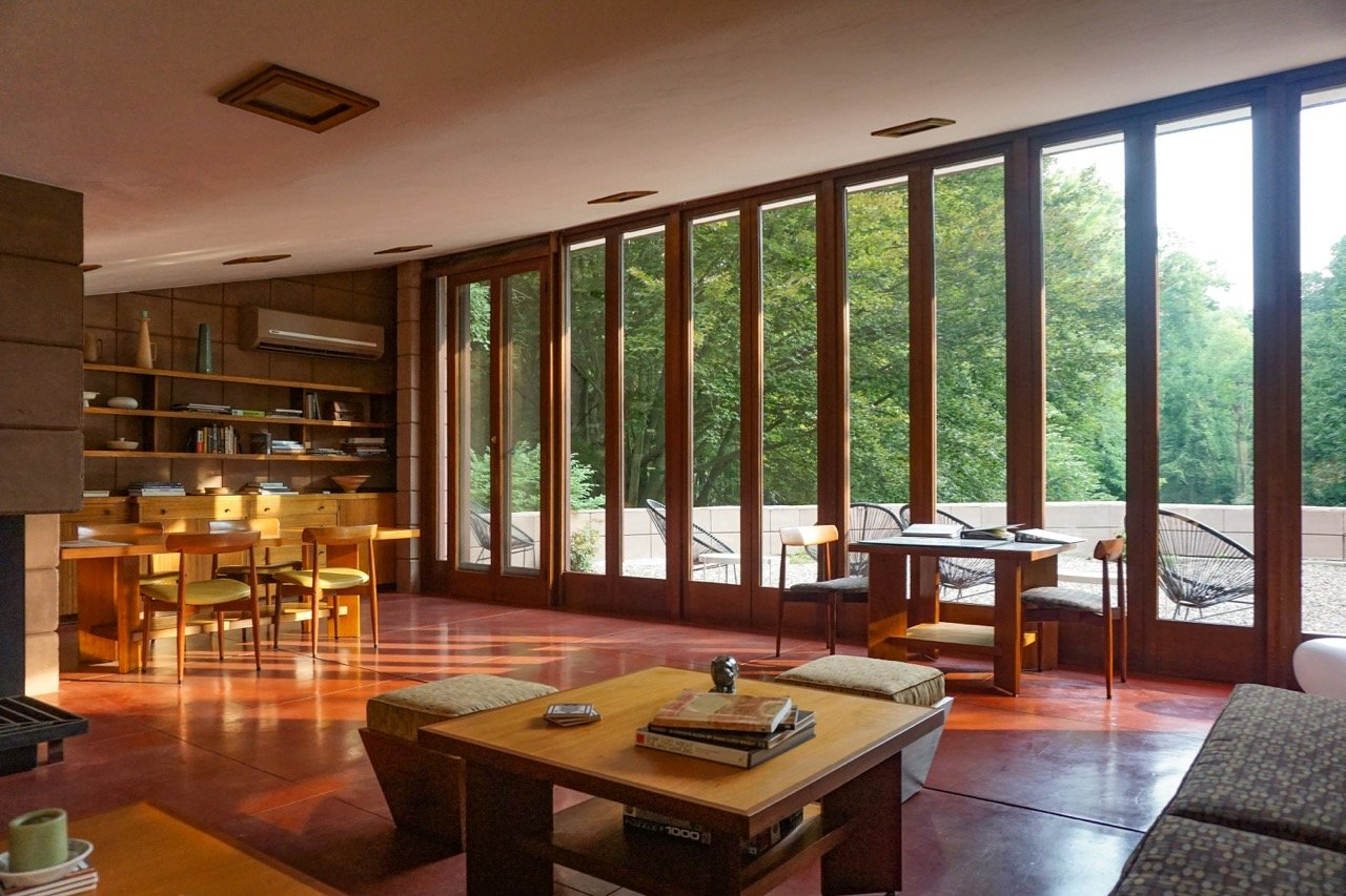 Frank Lloyd Wright - Eppstein House - Summer_living room