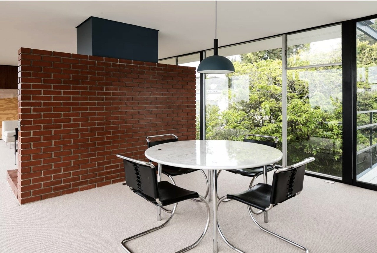Midcentury glass house in Brentwood_dining area