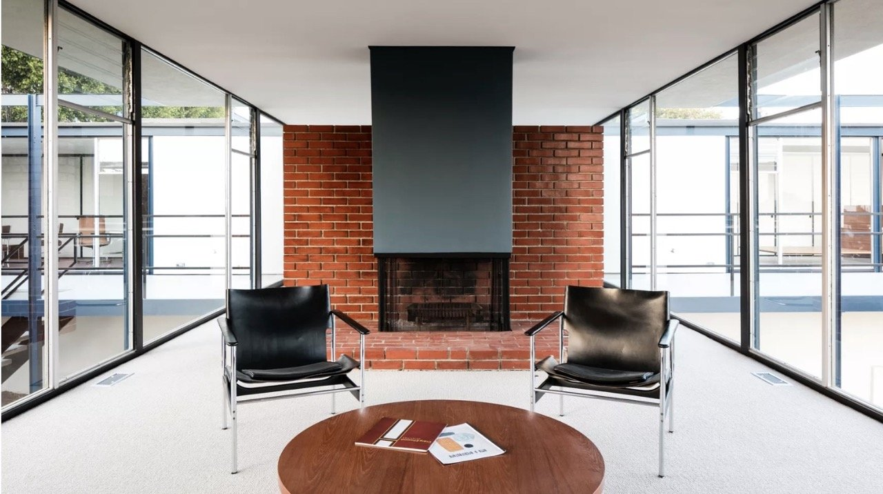 Midcentury glass house in Brentwood_living room