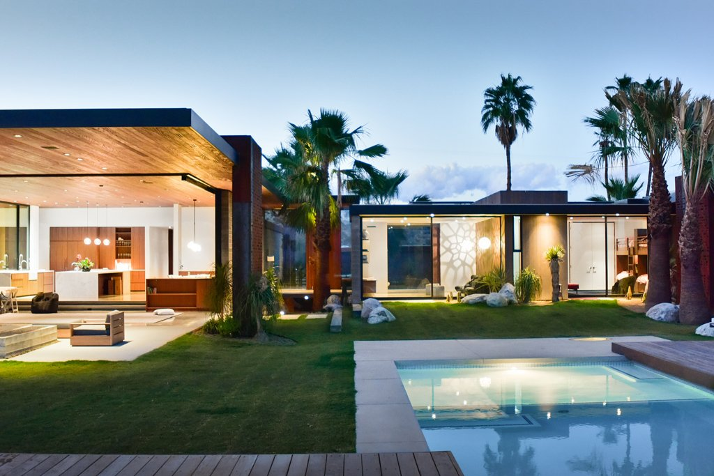 Modernist house AR&D Architects - Schnabel house_outside pool view