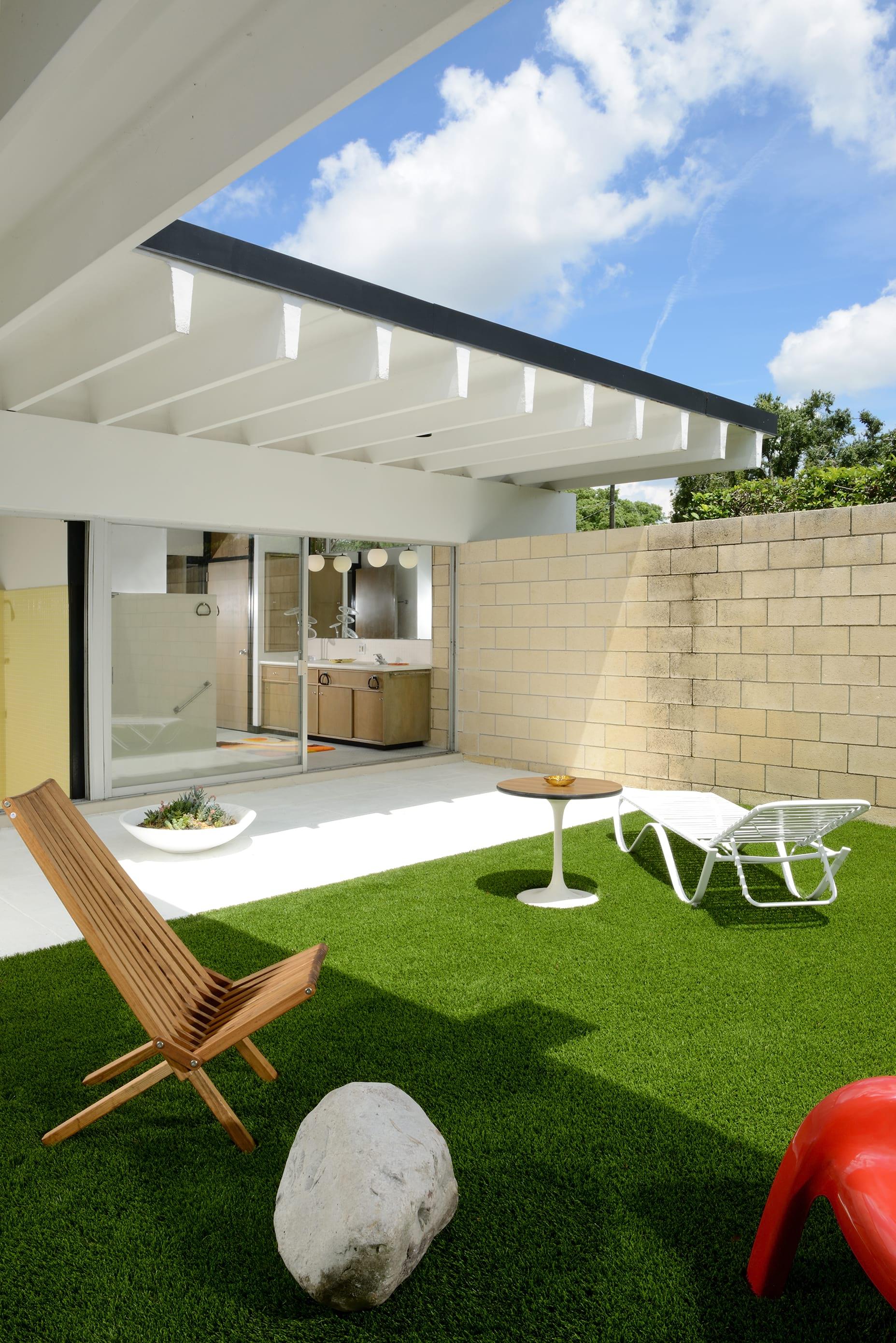 Christopher florentino - midcentury home Florida - garden