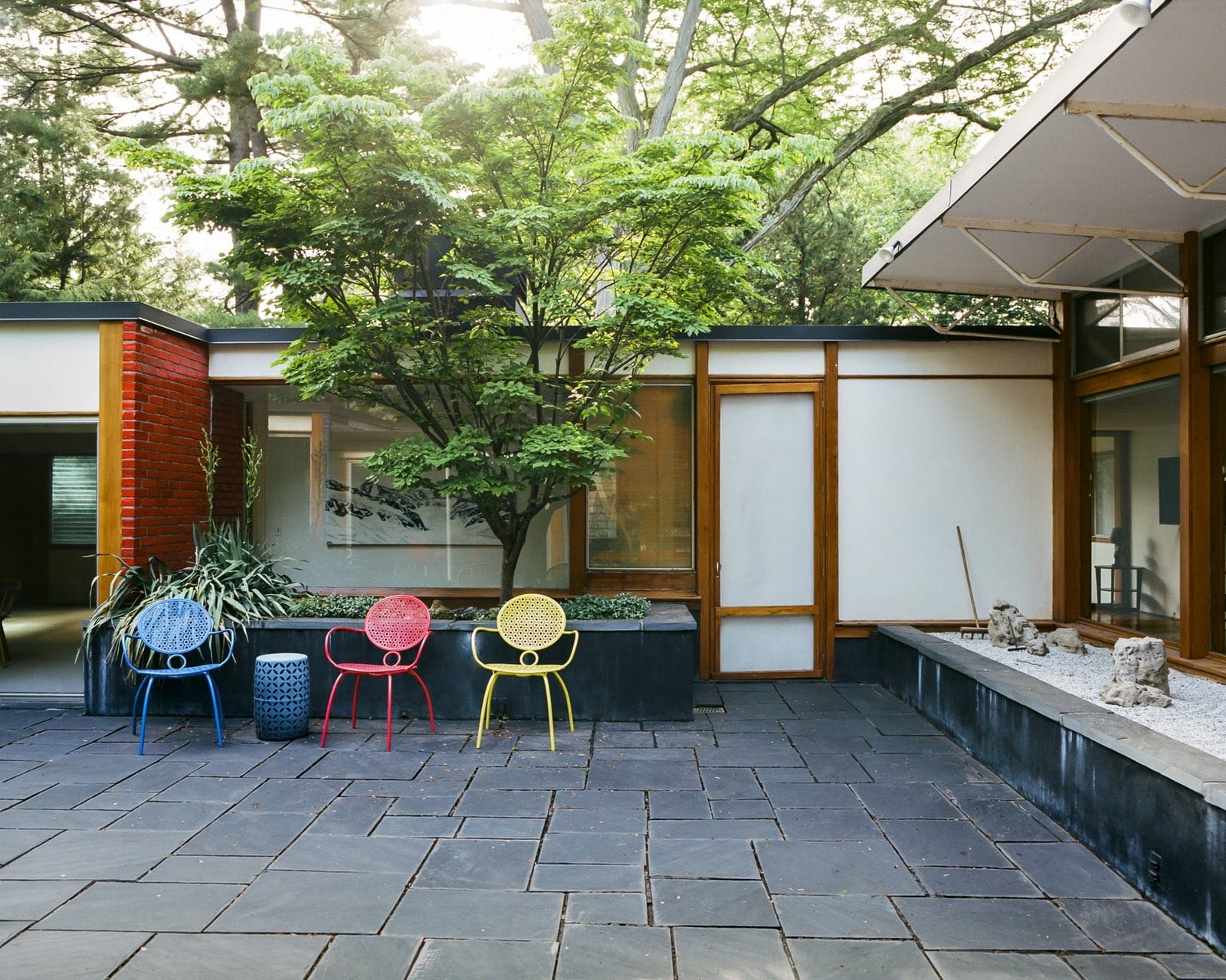 Alexander Girard residence In Michigan - back garden