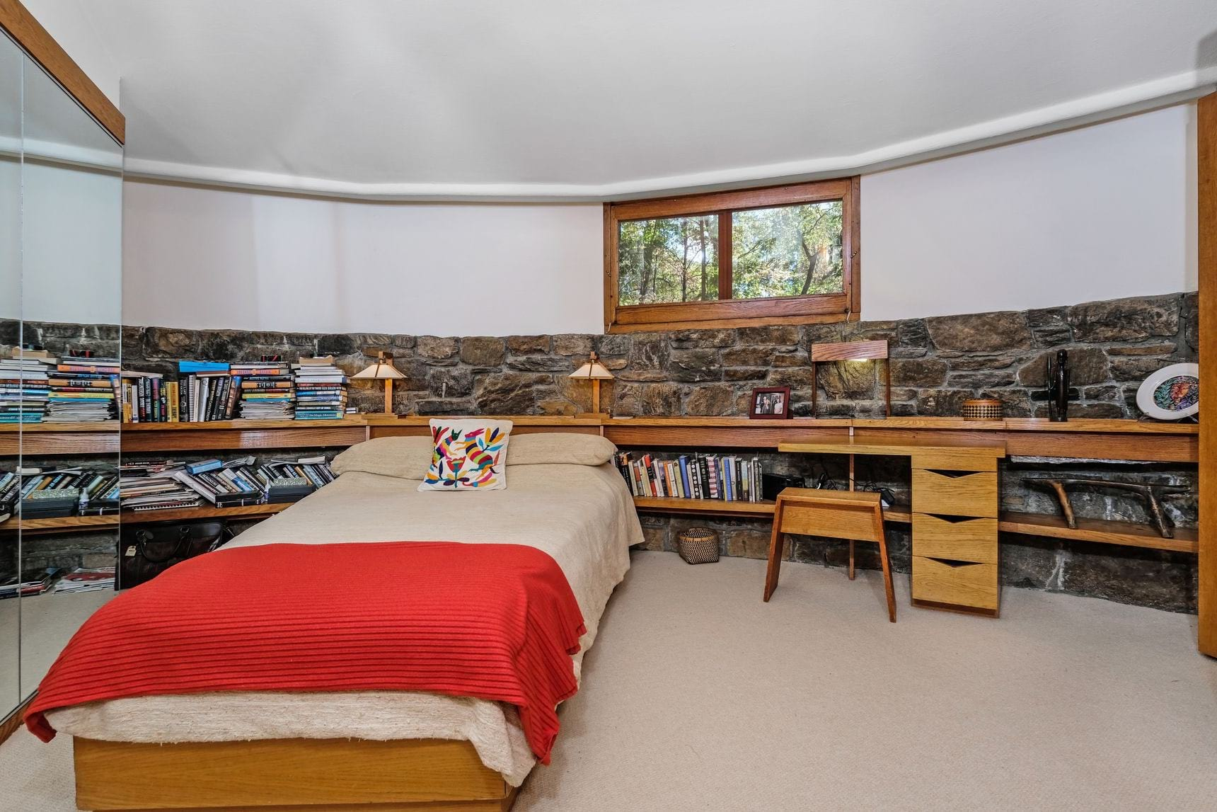 Frank Lloyd wright - sol Friedman house - bedroom