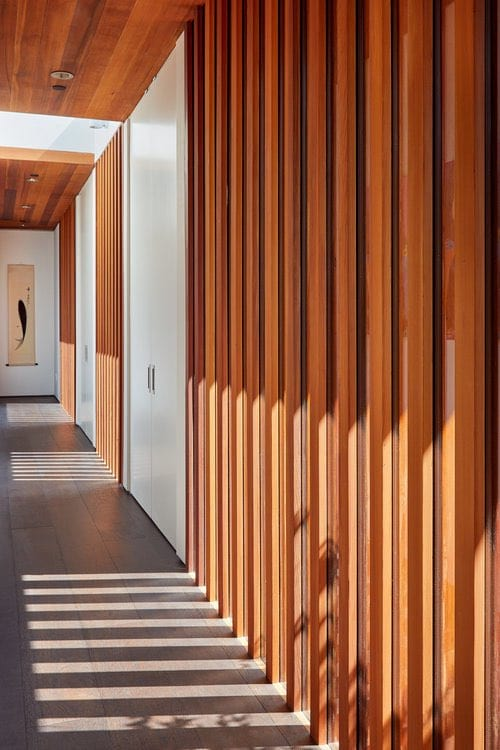 Cheng-Reinganum contemporary House - Swatt Miers Architects - interior corridor