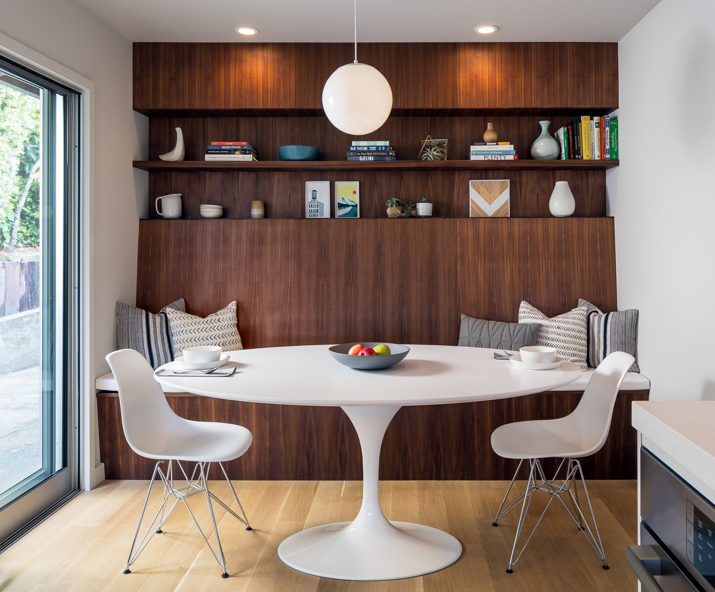 Paseo Way Modern Rsidence - Building Lab architects - dining area