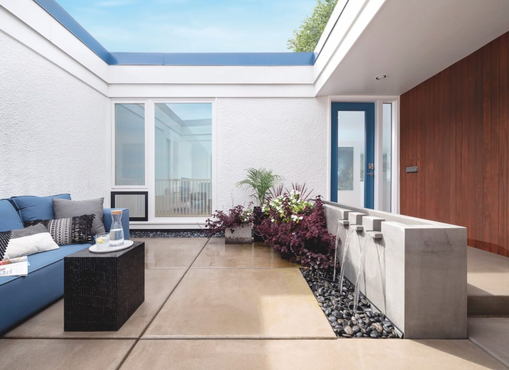 Matt Muenster  midcentury home renovation  - patio