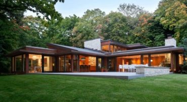 Midcentury modern home renovation in Minnesota - exterior front