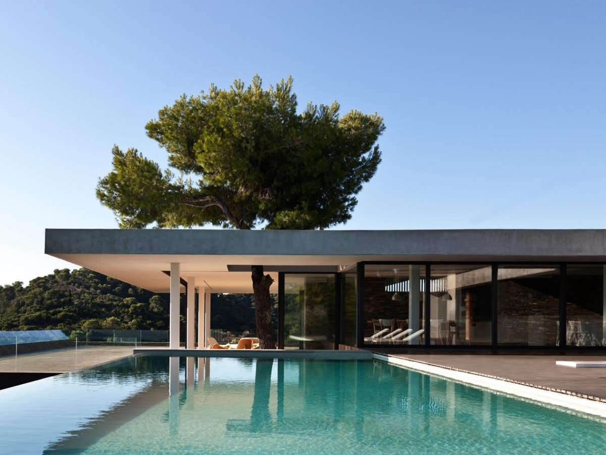 Modernist house in Greece - architect K Studio - pool