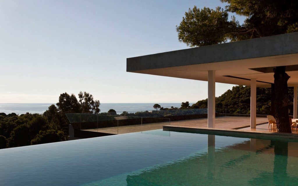 Modernist house in Greece - architect K Studio - pool view