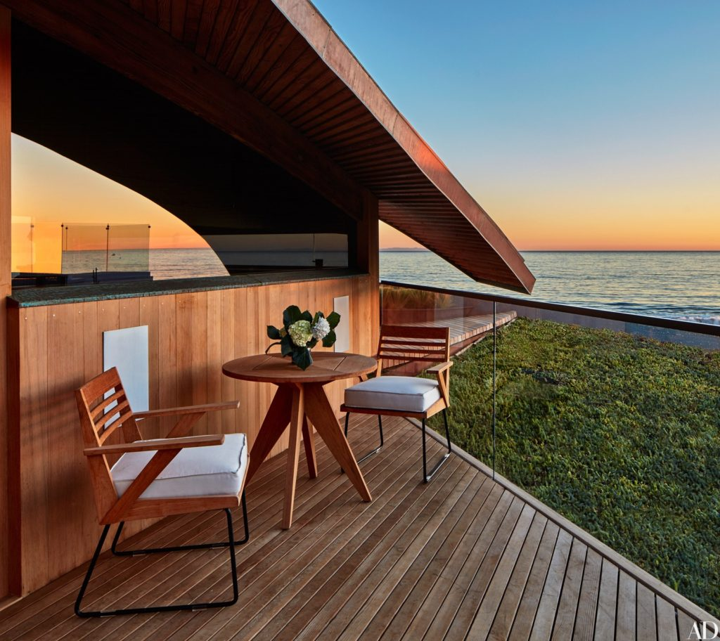 John Lautner - Carbon Beach House renovation - terrace