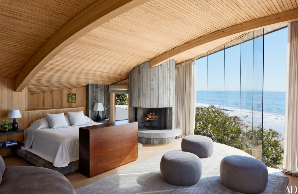 John Lautner - Carbon Beach House renovation - bedroom