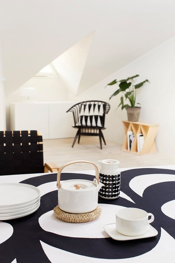 Oiva Teapot And Oiva coffee cup