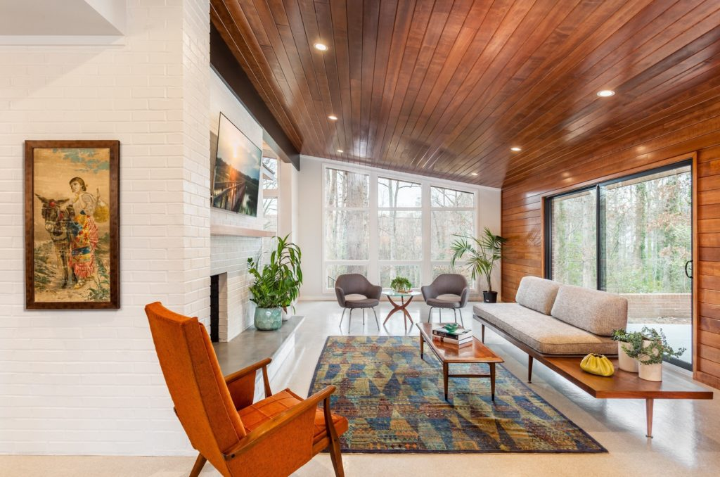 Midcentury home renovation  - living room