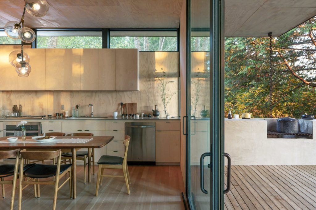 Hood Cliff Retreat - Wittman Estes Architecture - kitchen
