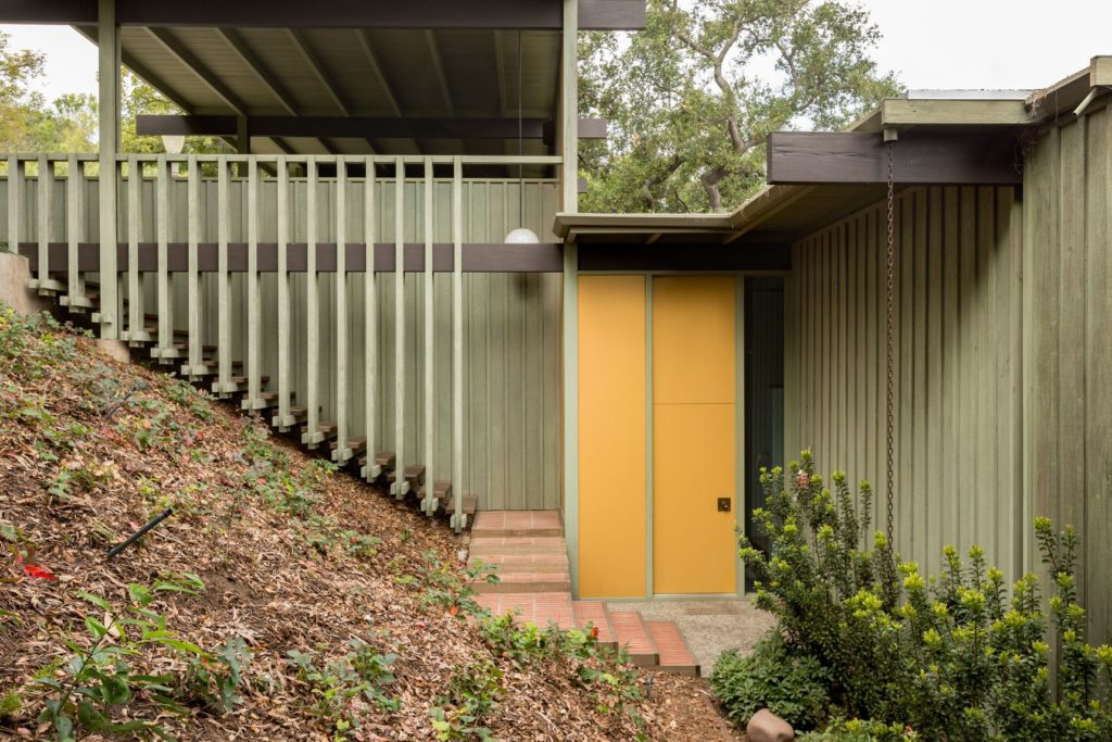 1957 midcentury house by Buff, Straub, and Hensman -