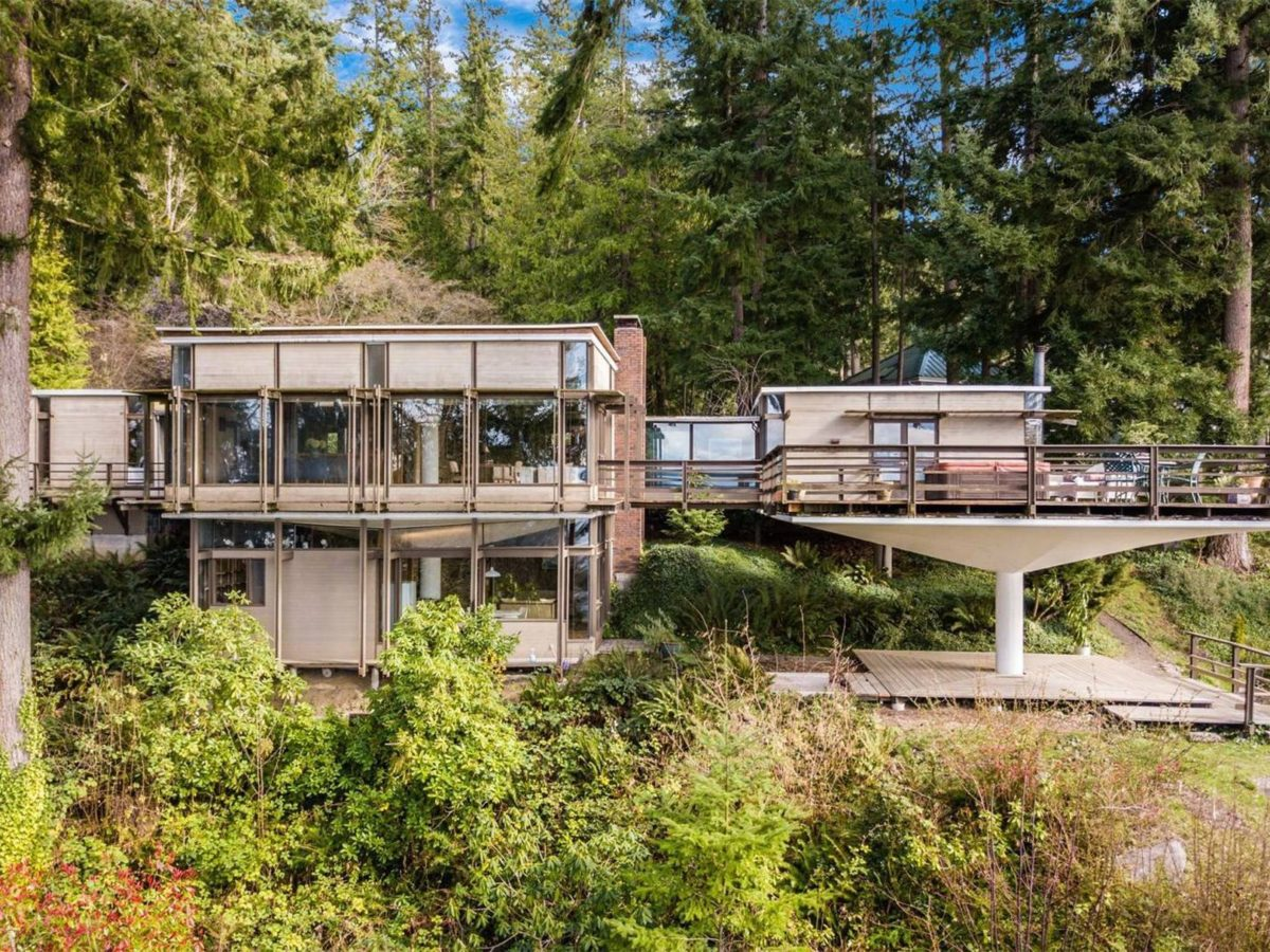1965 midcentury forest retreat Washington