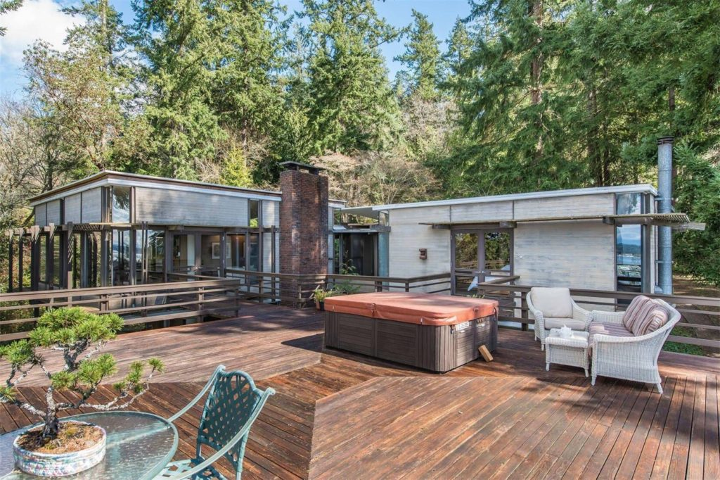 1965 midcentury forest retreat Washington -