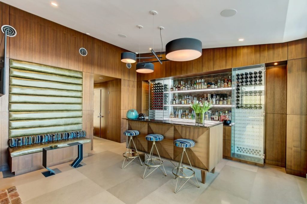 Midcentury Gem In Florida for sale - bar