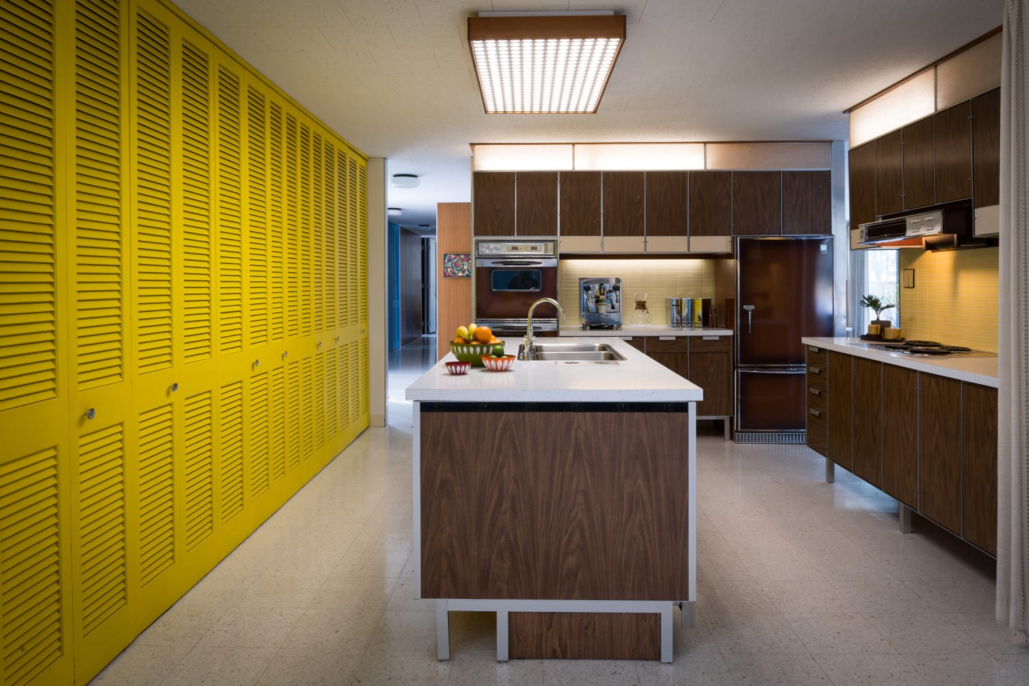 modern mid-century frost house The Frost House Bob Coscarelli-