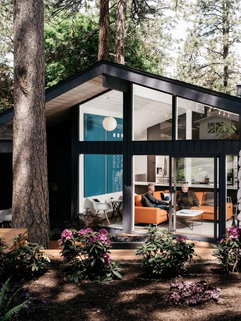 Moritz Kundig midcentury home renovation spokane -