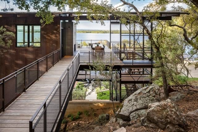 modernist lake retreat texas -