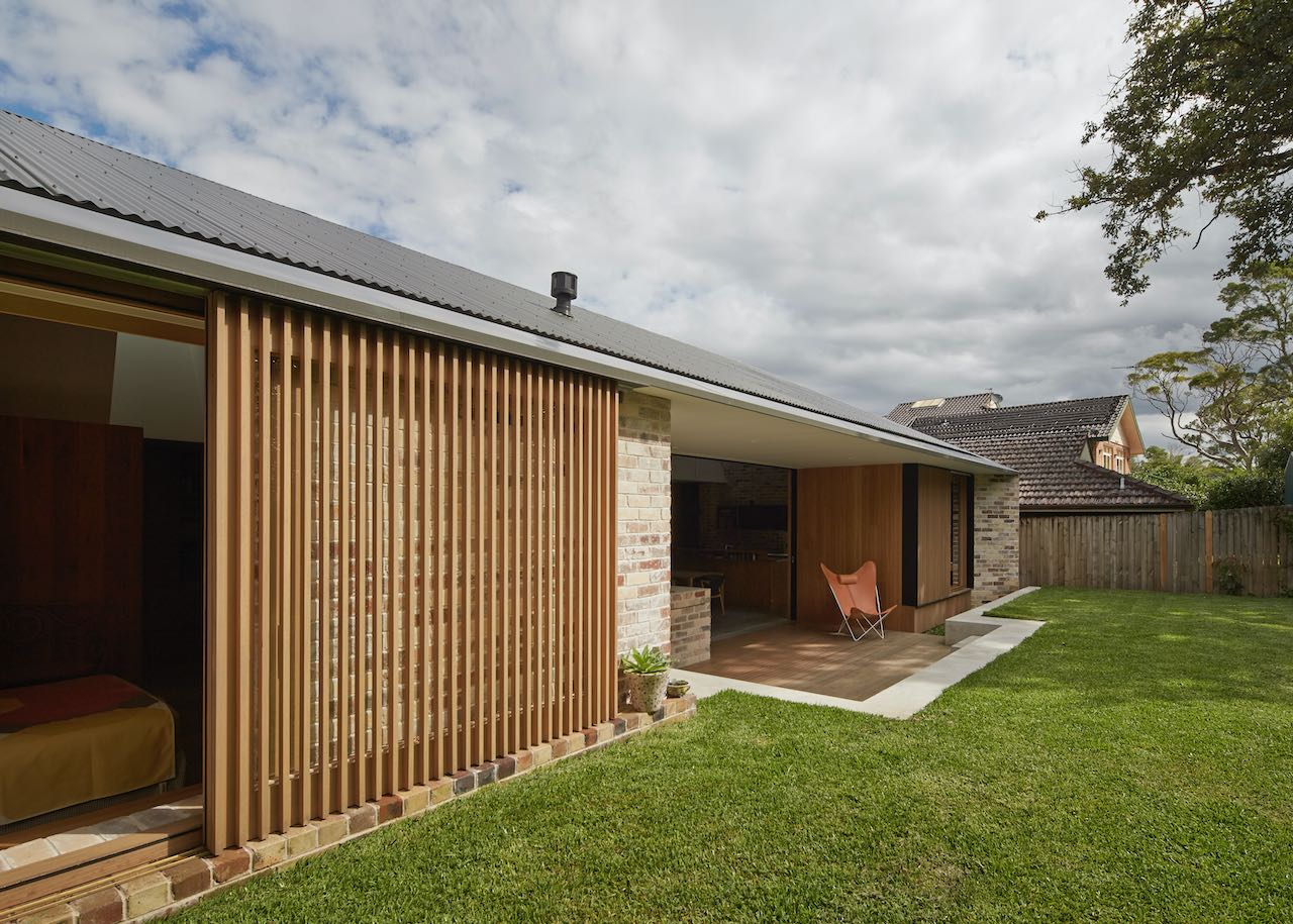 This Modern Home Lets the Light Shine in - Mid Century Home